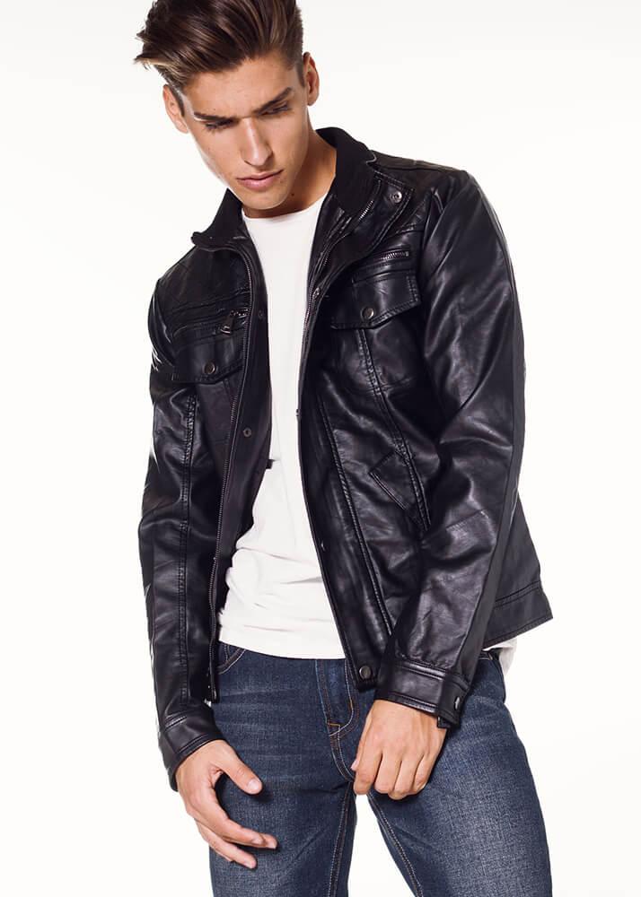 Adrián G modelo masculino de Plugged Models