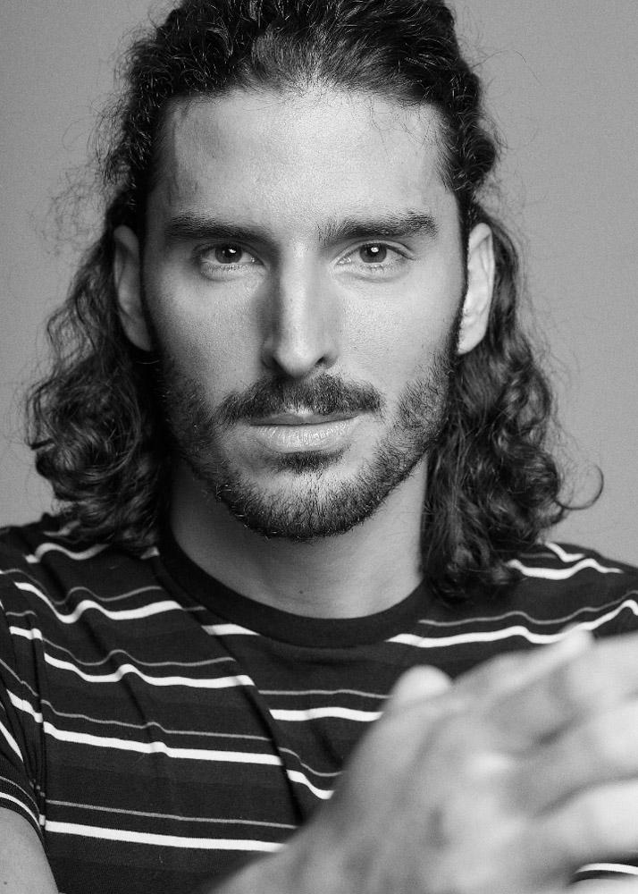 Adriel M modelo masculino y actor de la Agencia Plugged Models