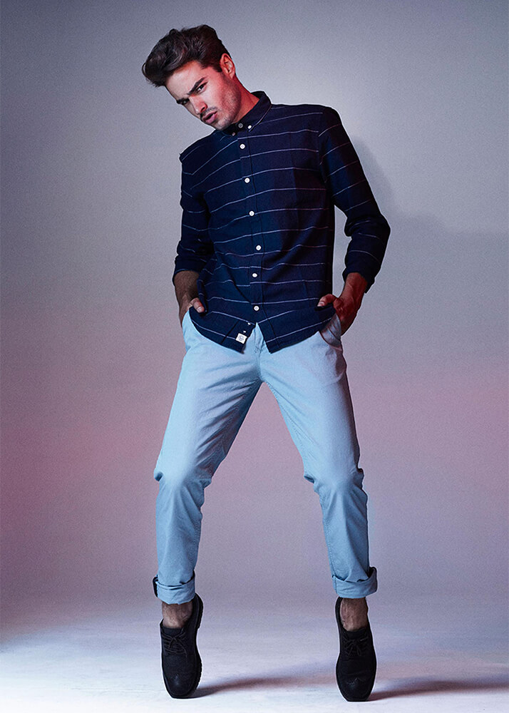 Alejandro Col modelo masculino de la Agencia Plugged Models