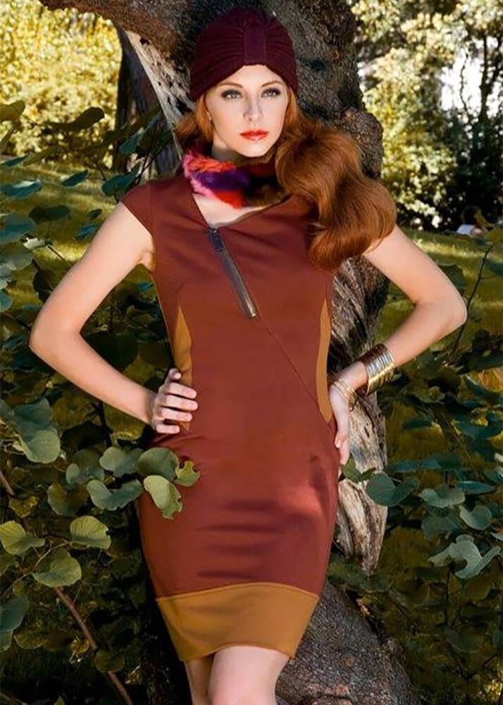 Ana Marina D modelo femenina de la Agencia Plugged Models