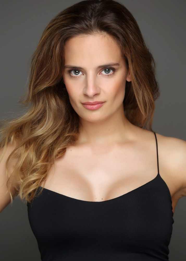 Andrea A modelo femenina y actriz de la Agencia Plugged Models