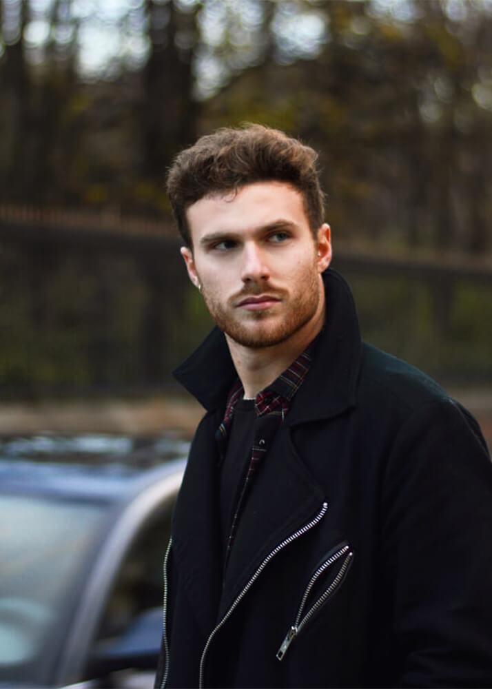 César G modelo masculino de la agencia Plugged Models