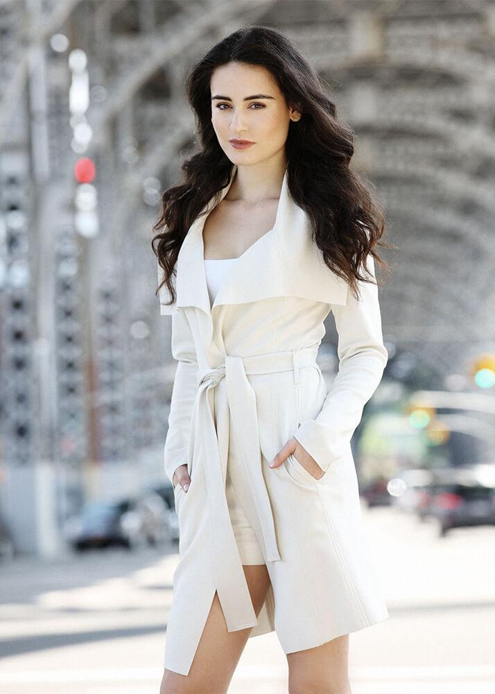Circe R modelo femenina de la Agencia Plugged Models