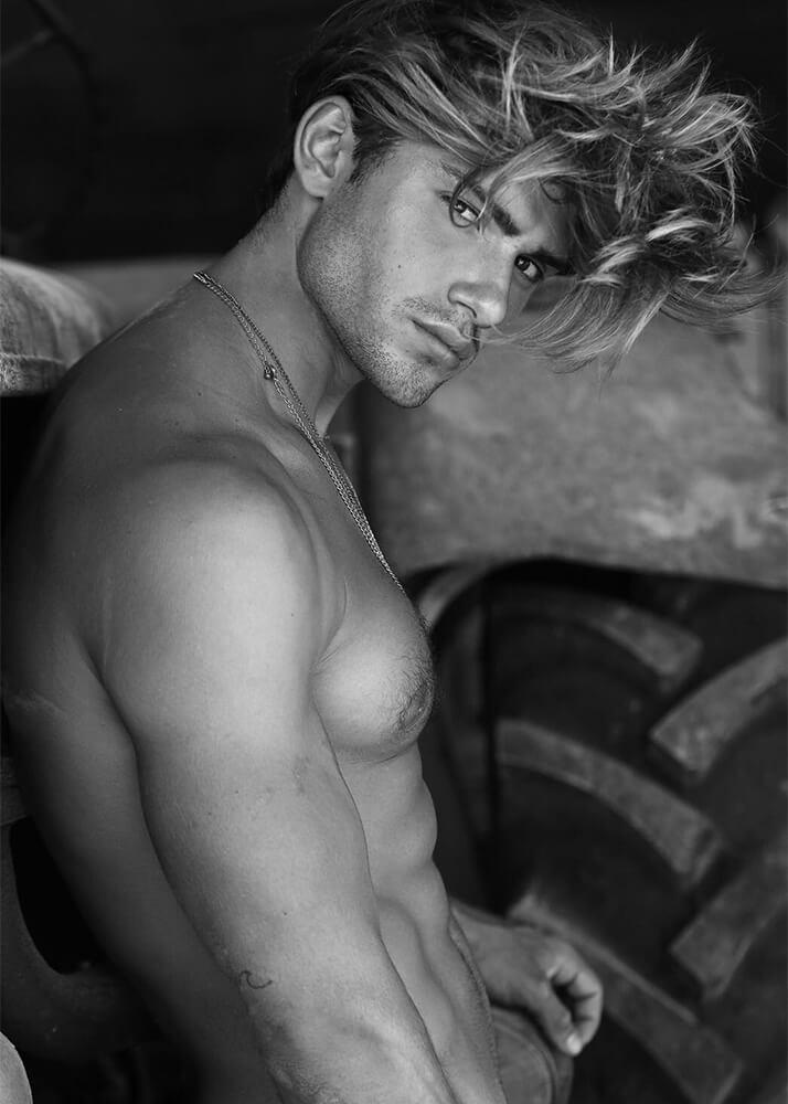 David B Modelo Masculino de la Agencia Plugged Models _2
