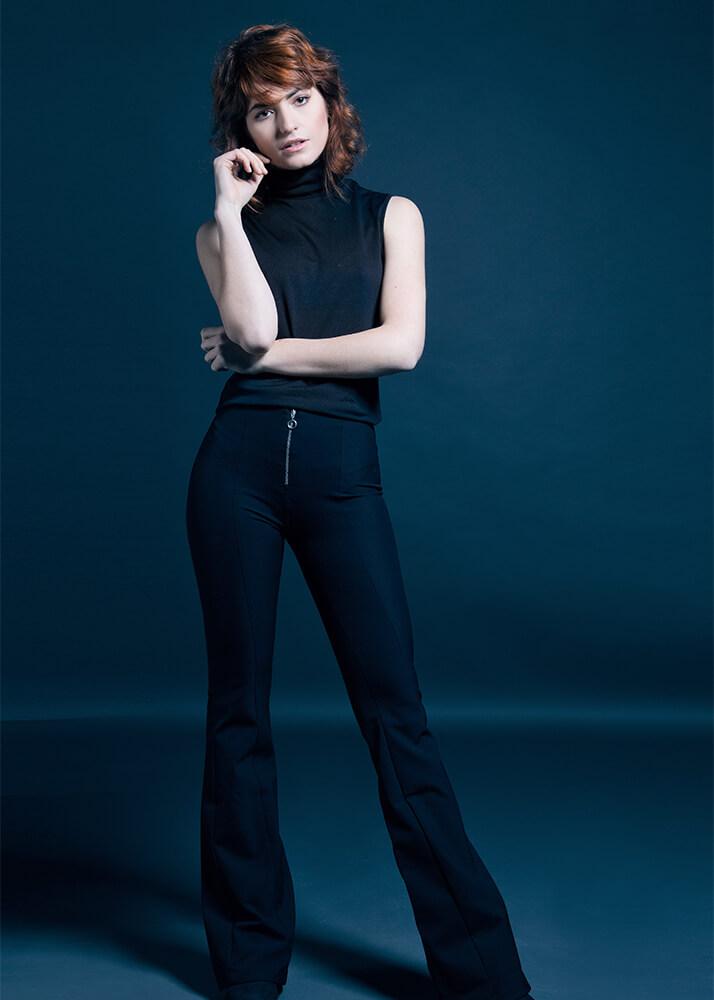 Julia P actriz y modelo de la Agencia Plugged Models
