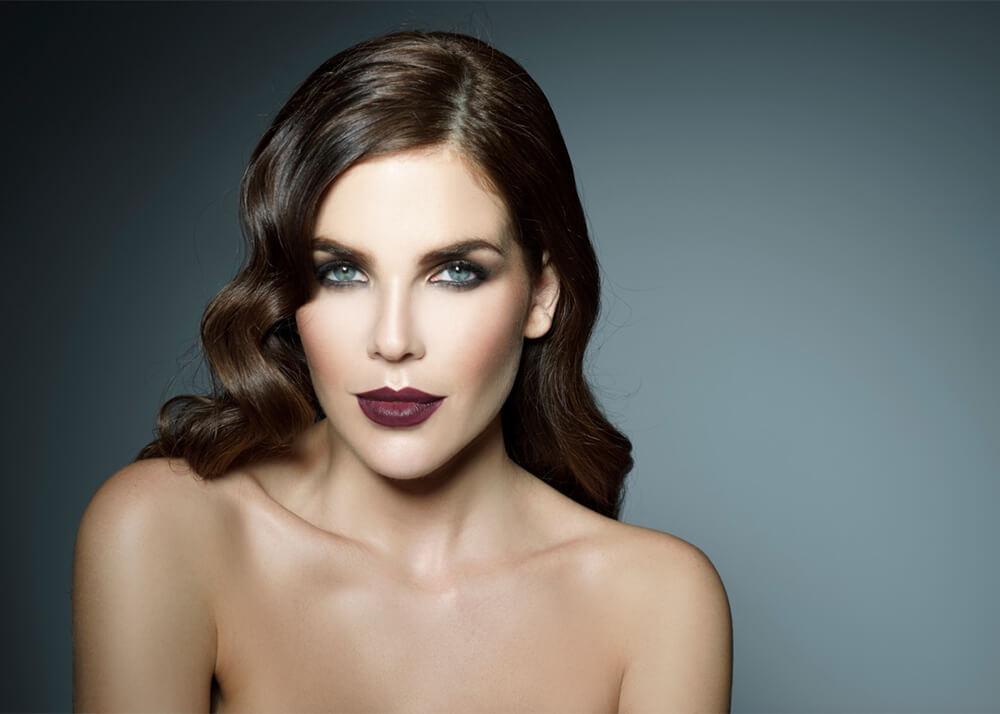 Lourdes H modelo femenina de la Agencia Plugged Models