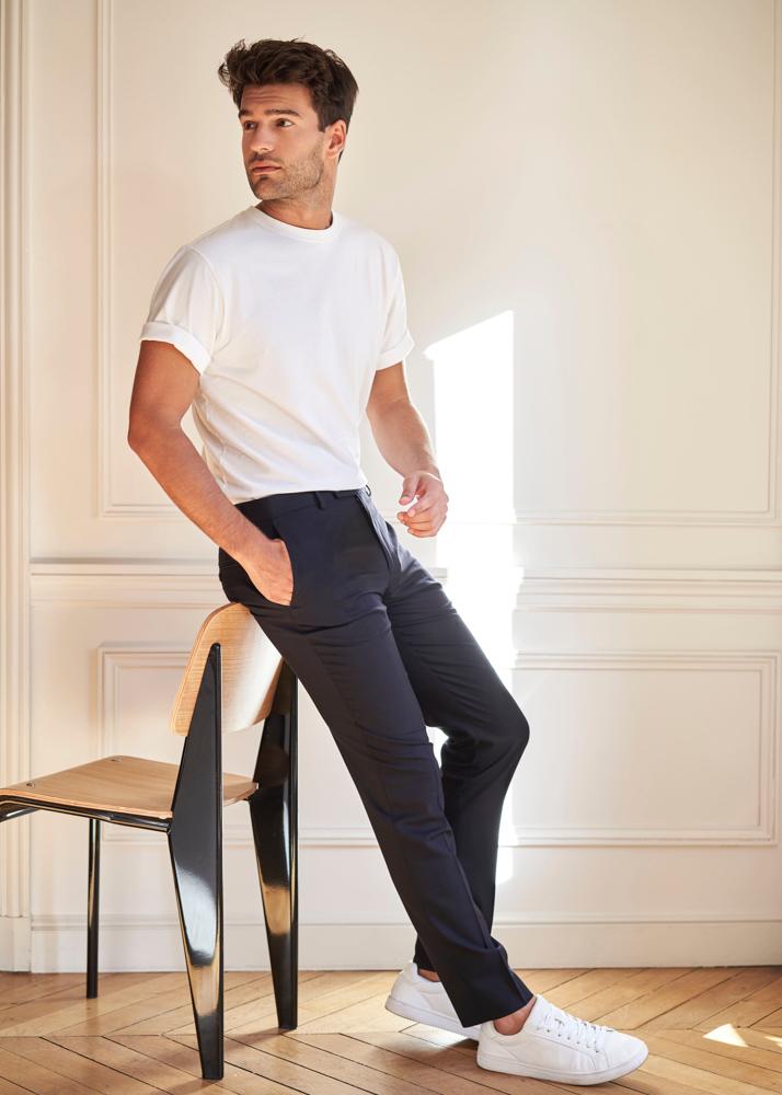 Manu N es un modelo masculino de la Agencia Plugged Models