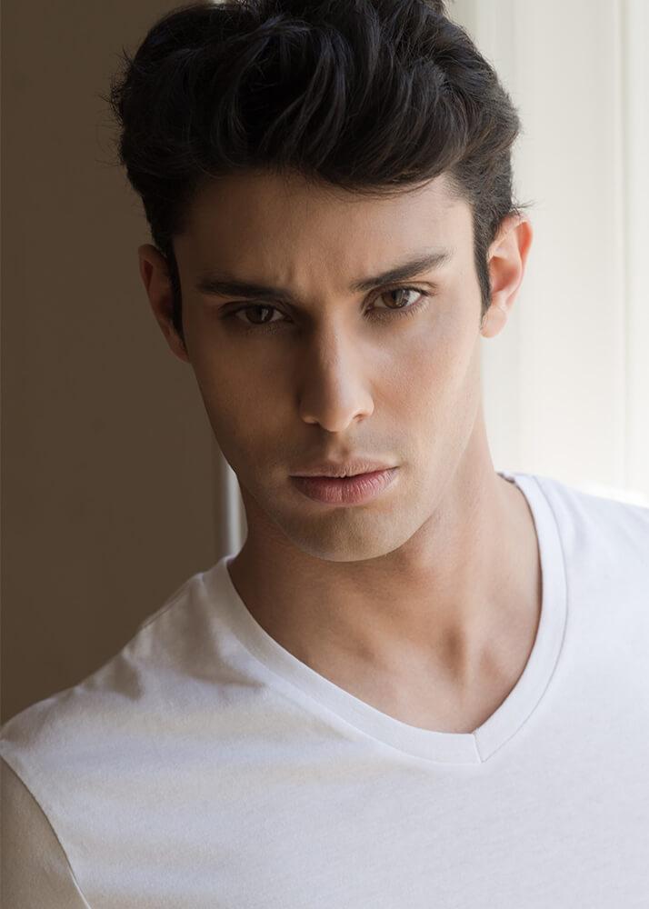 Mariano G modelo masculino publicitario de la Agencia Plugged Models _1