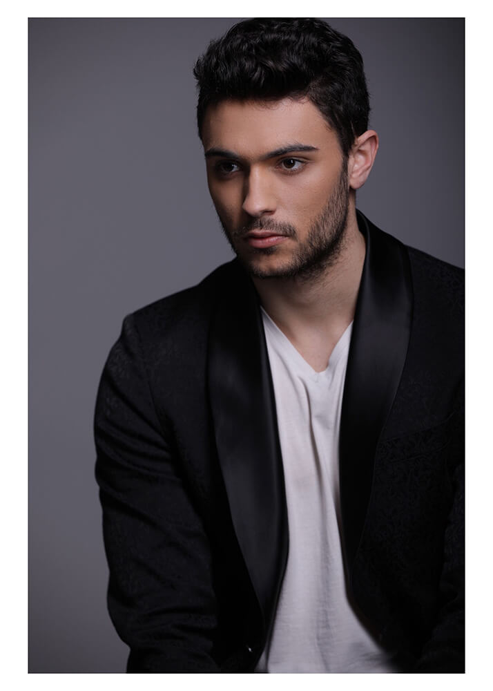Marik L modelo masculino de la Agencia Plugged Models