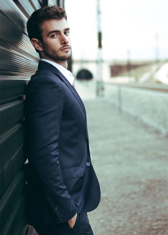 Mario M modelo masculino publicitario de la Agencia Plugged Models