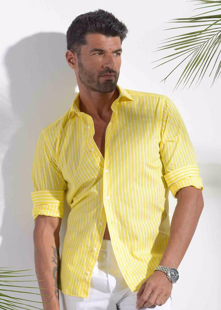 Michel O modelo masculino de la Agencia Plugged Models