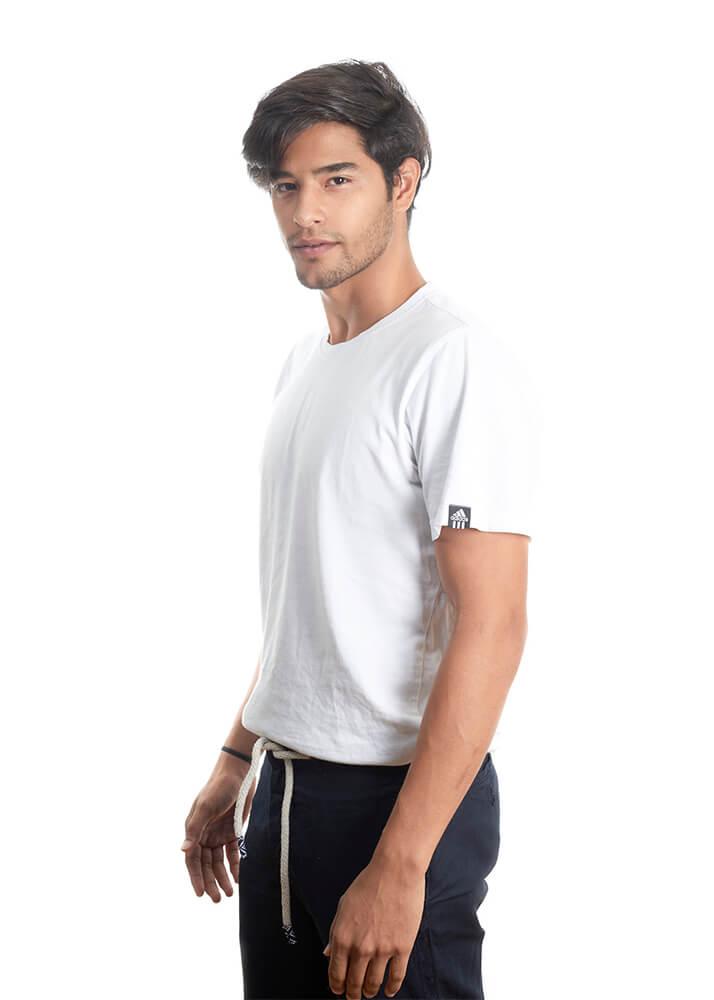 Moisés U modelo masculino de la Agencia Plugged Models
