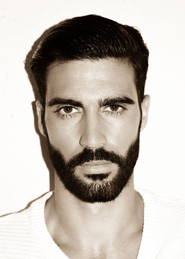 Pablo P modelo masculino de la Agencia Plugged Models