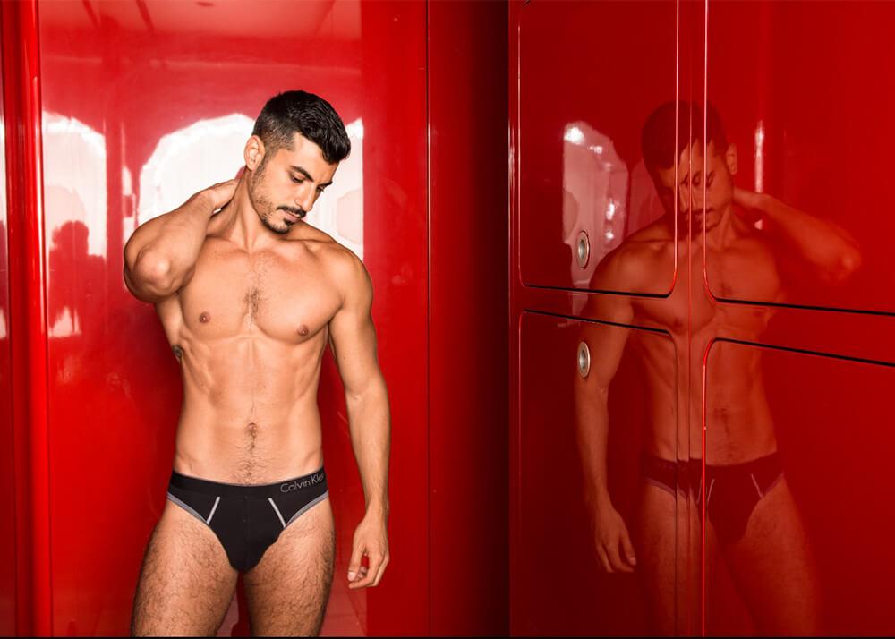 Hussein F modelo masculino de la Agencia Plugged Models