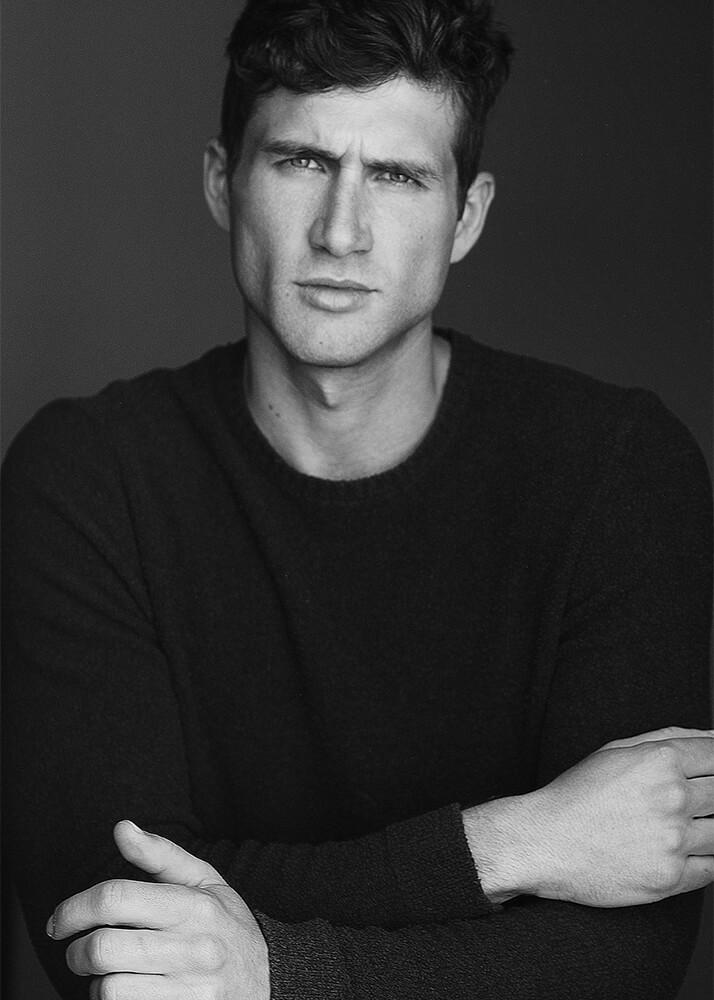 Rafael R modelo masculino de la Agencia Plugged Models