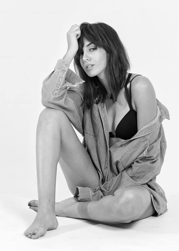 Sabah B modelo femenina de la Agencia Plugged Models