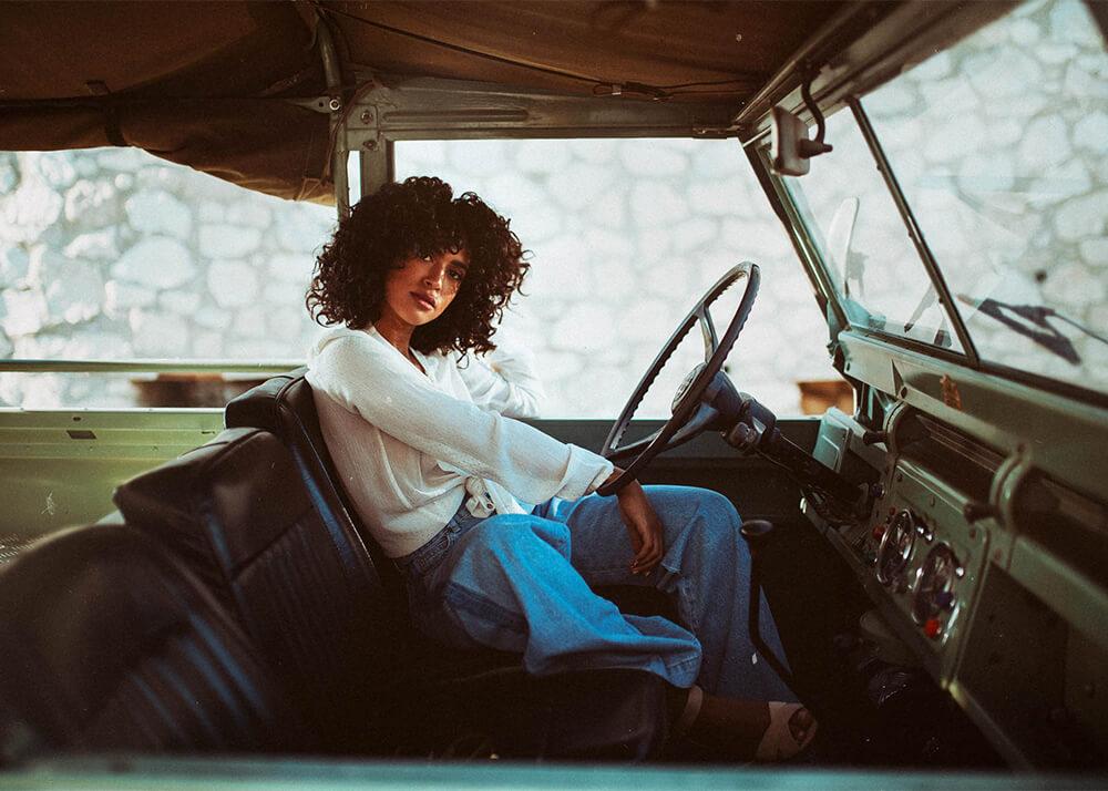 Samah M modelo femenina de publicidad de la Agencia Plugged Models