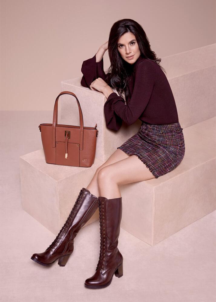 Samanta B modelo femenina de la agencia Plugged