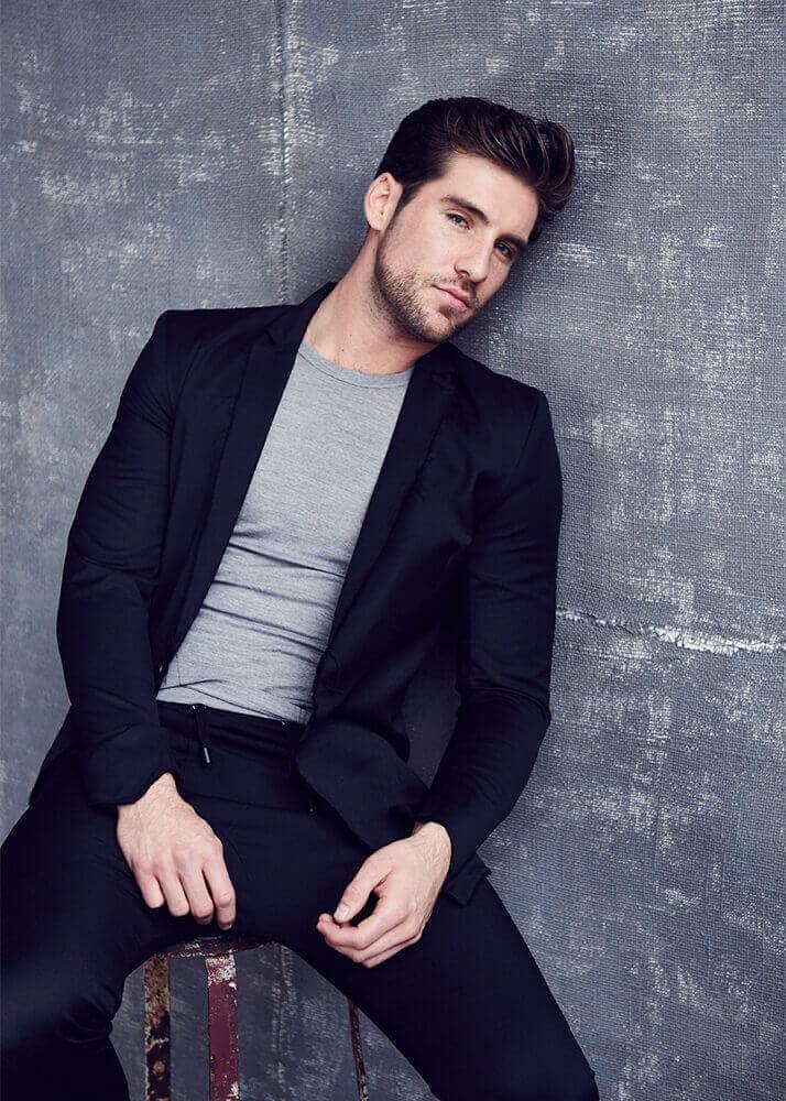 Steven E modelo masculino y blogger de la Agencia Plugged Models