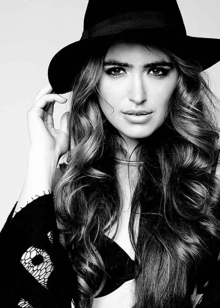 Aitana M. modelo agencia Plugged Models Management