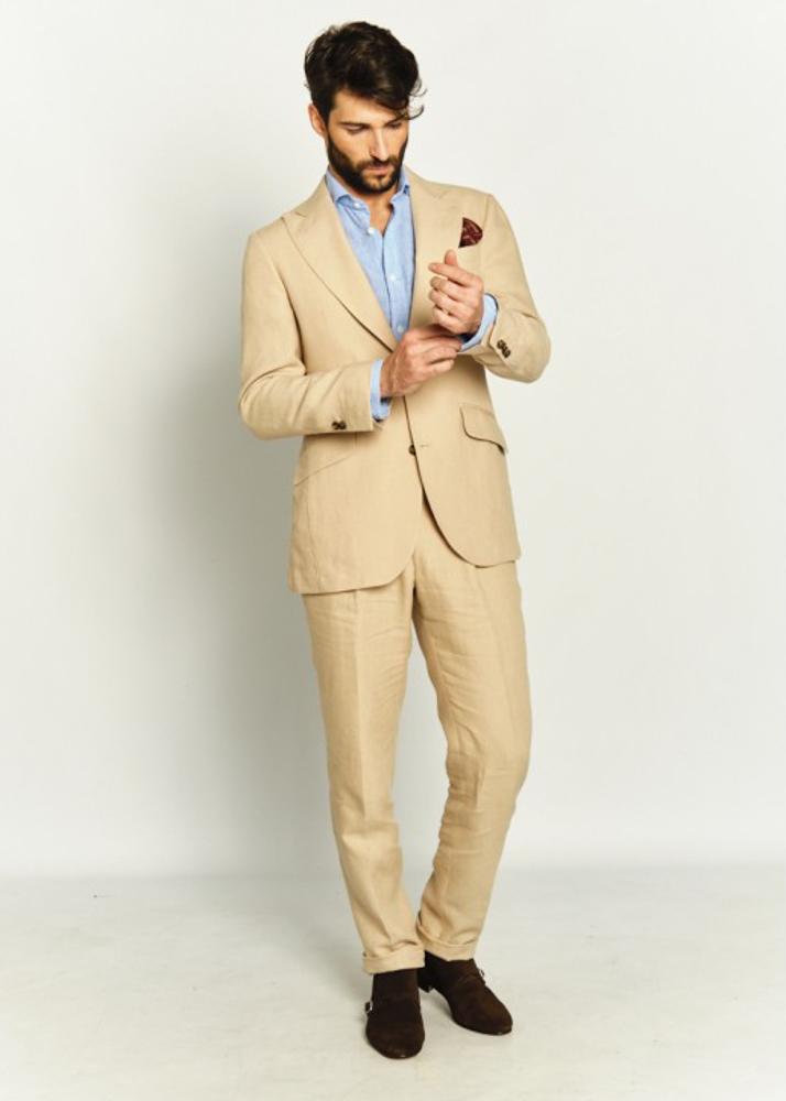 Cristian C modelo masculino de la Agencia Plugged Models