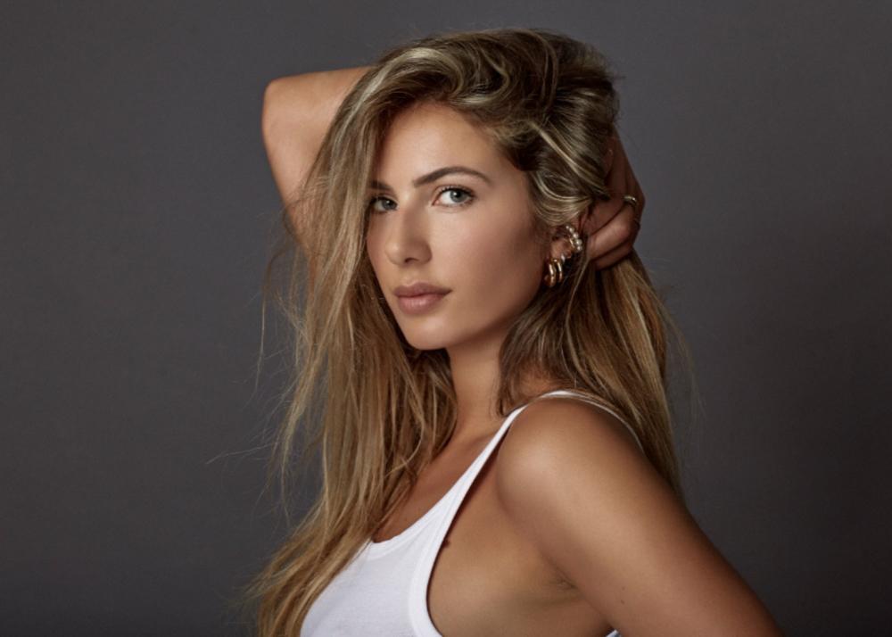 Carolina M modelo femenina Plugged Models