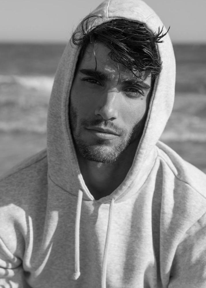 Alejandro Fe modelo masculino de la agencia Plugged Models Management en Madrid.