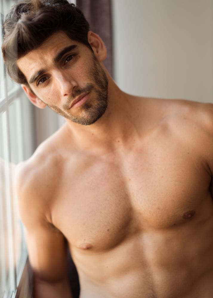 Alejandro Fe modelo Plugged Models