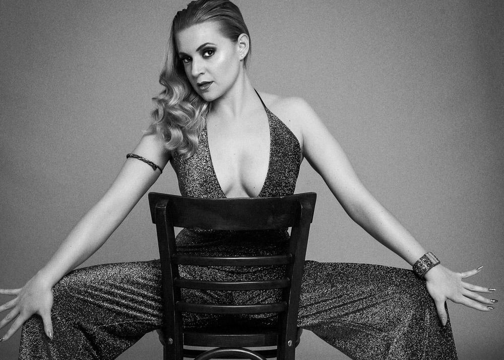 Iris C actriz y bailarina Plugged Models